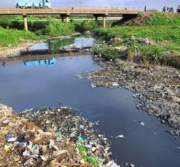 Resultado de imagen de contaminacion fluvial